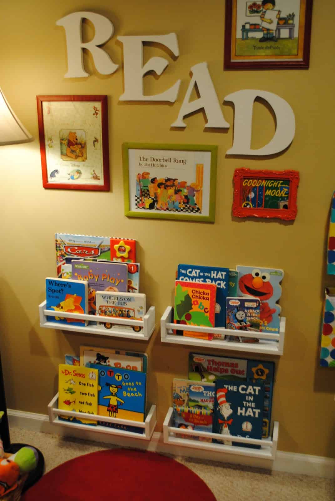 organize kids room