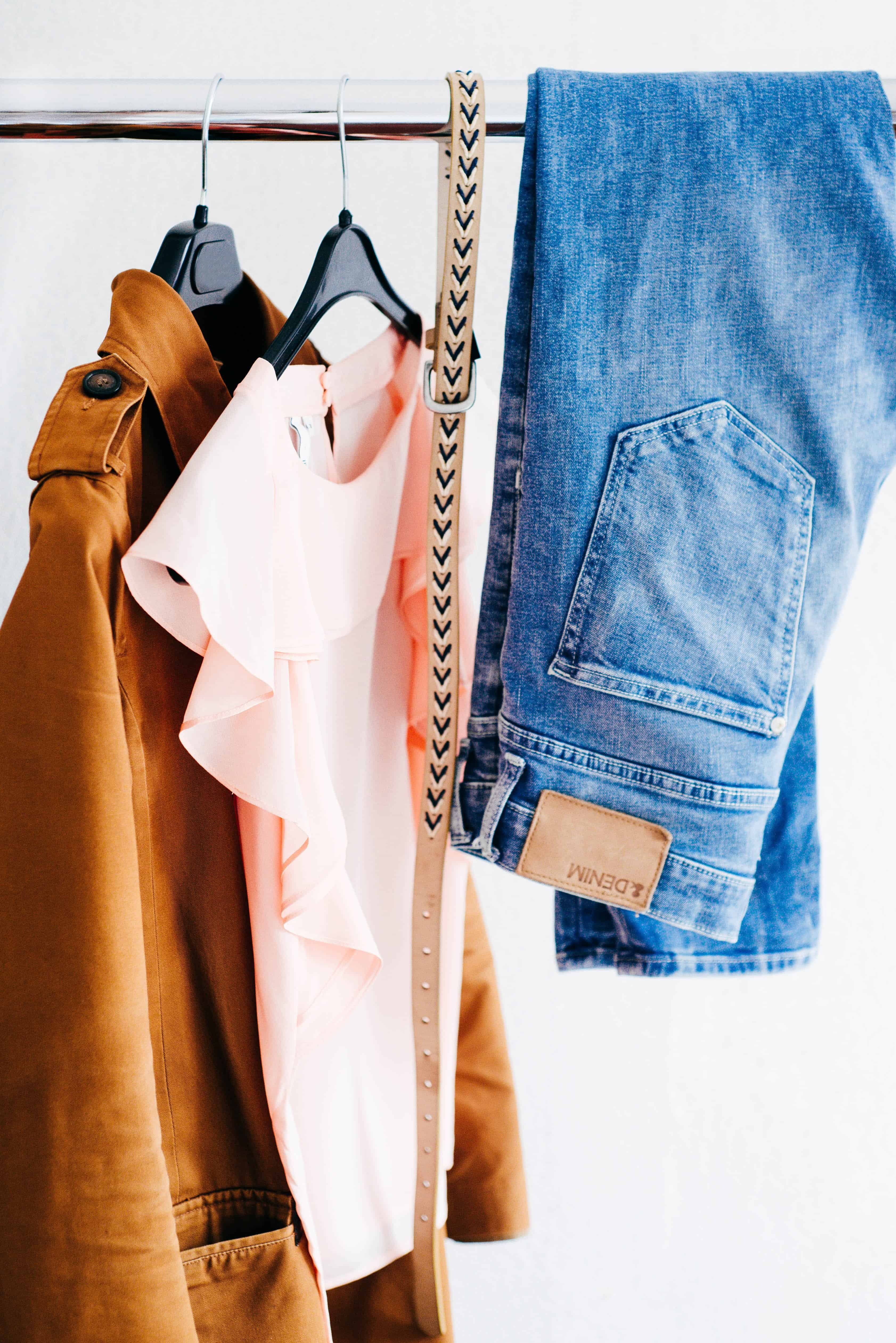 How To Build The Perfect Mom Capsule Wardrobe The Easy Way