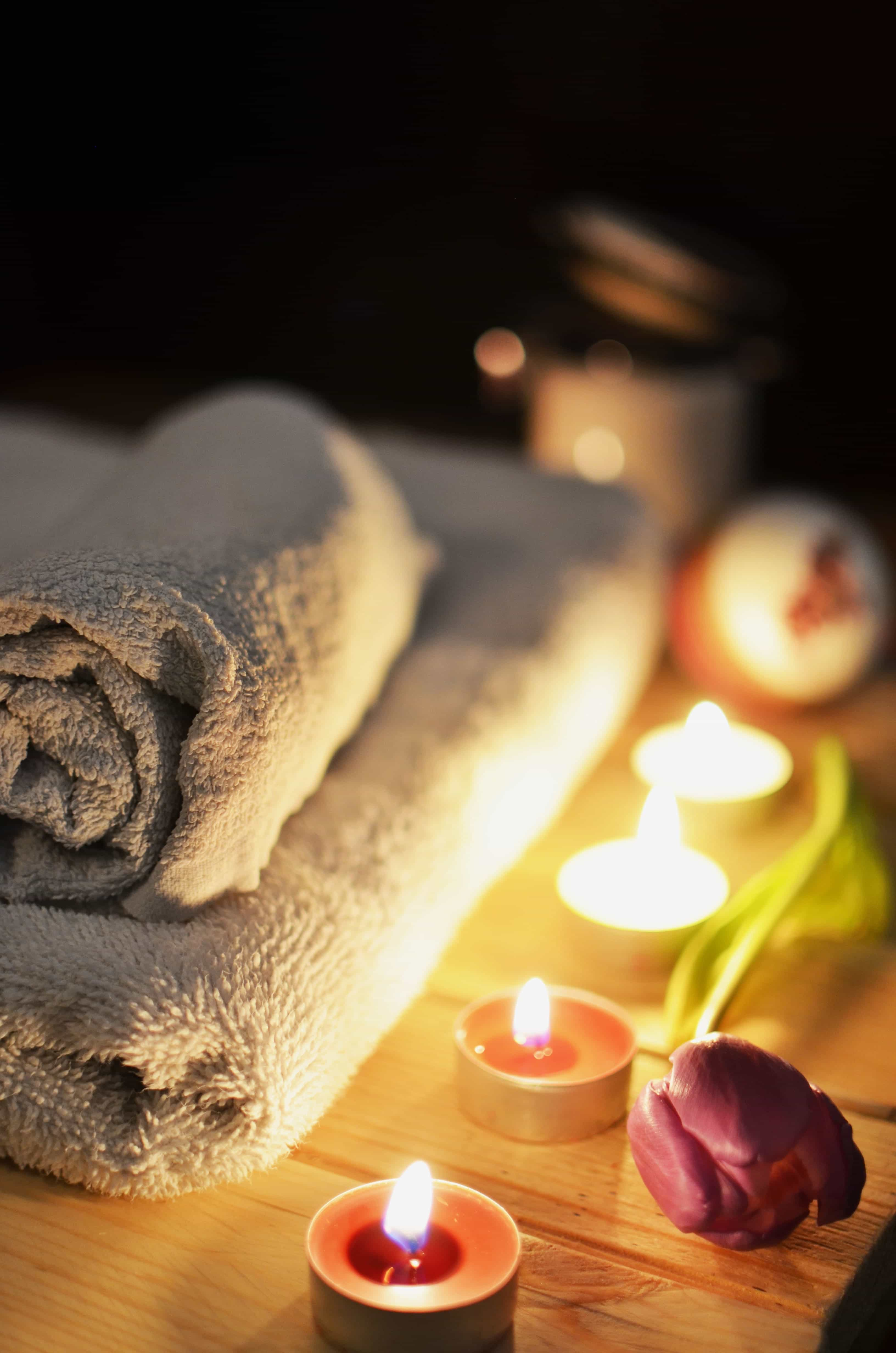 towels with candles in a spa